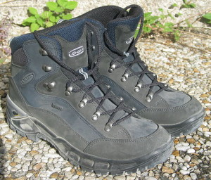 How to choose best hiking boots